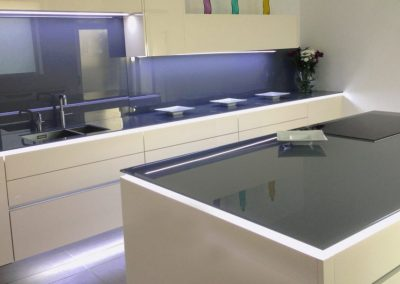 Deco-Glaze-Glass-Worktop300